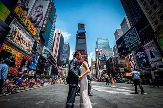 """""""Our top tip for anyone organising a destination wedding is not to hesitate in contacting the venue for supplier recommendations. For my makeup and hair, I didn't have time to go for trials in New York before the wedding so I had trials in England sent pictures to the NY suppliers which worked well."""""""